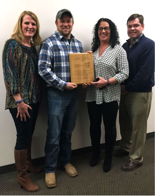 Williams employees and conservation award